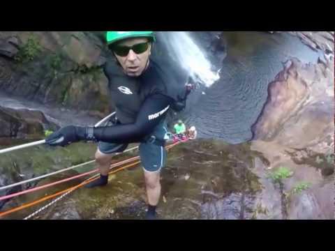 Trilha e Rapel em Cachoeira