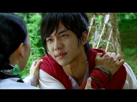 【TVPP】Lee Seung Gi - Shot by arrow instead of Jin Hyuk, 이승기 - 진혁(월령) 대신 활 맞는 승기(강치) @ Gu Family Book