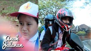 Video Boy anter anak kecil ke sekolahnya [Anak Jalanan] [20 Nov 2015] MP3, 3GP, MP4, WEBM, AVI, FLV Mei 2019