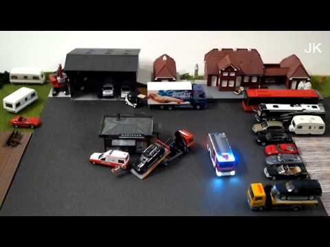 1:87 Remote bus and fire engine – model railroad
