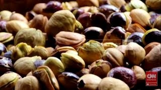 Memasuki Bulan Ramadhan harga sembako di Pasar Tradisional terus melonjak naik, bahkan harga jengkol mencapai 80 ribu per kilo gram. Harga tersebut melebihi ...