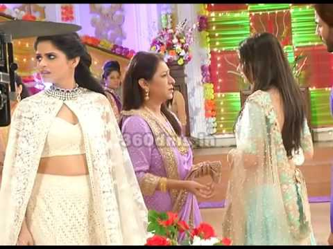 KALASH | Ambika(Aparna Dixit) Pulled Out to Ravi(Krip Suri) and Nivedita From House | On Location