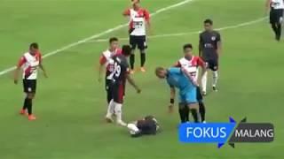 Video Kerusuhan PSBK Blitar vs Persewangi Banyuwangi di Kanjuruan Laga Liga 2 MP3, 3GP, MP4, WEBM, AVI, FLV Oktober 2017