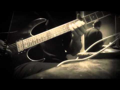 Tekst piosenki Iron Maiden - The Man of Sorrows po polsku