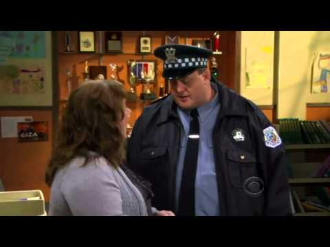 Mike & Molly 2.07 Clip