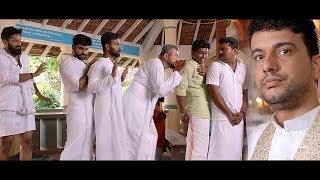 Video നീ ആരാ ജാക്കിജാനോ!!! അല്പ്പം നീങ്ങി നില്ക്കെടാ..!   Malayalam Latest Comedy   Comedy Combo MP3, 3GP, MP4, WEBM, AVI, FLV Mei 2018