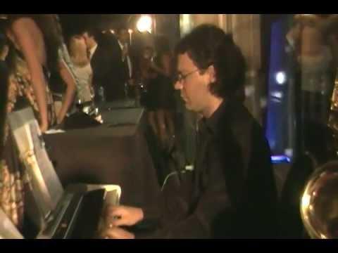 Dúo saxo y teclado