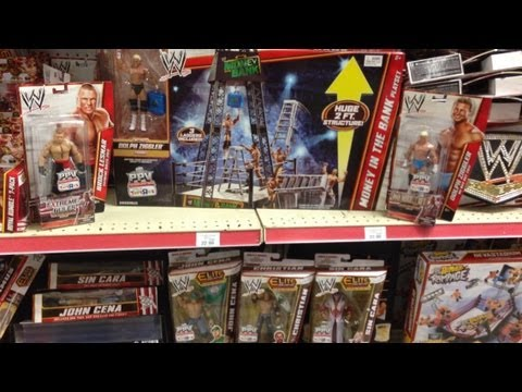 WWE FIGURE HUNT: Toys R Us Money in the Bank PLAYSET wrestling figure aisle store findings !