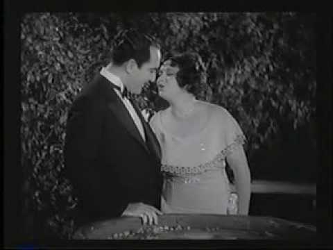 Collegiate - The Boop-op-adoop girl, Helen Kane, sings