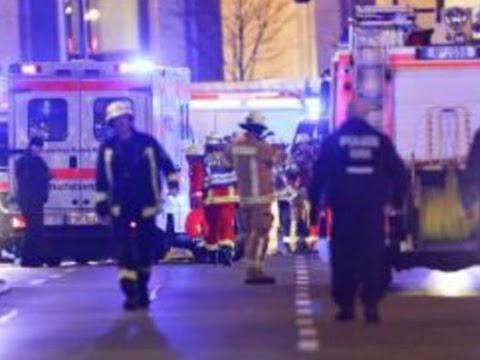 Attentat: Breitscheidplatz Berlin - Lkw rast in den ...
