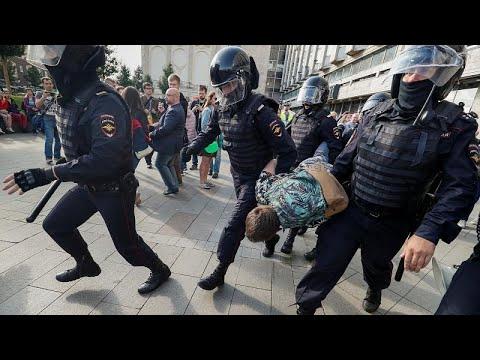 Russland: Hunderte Festnahmen bei Protesten in Moskau