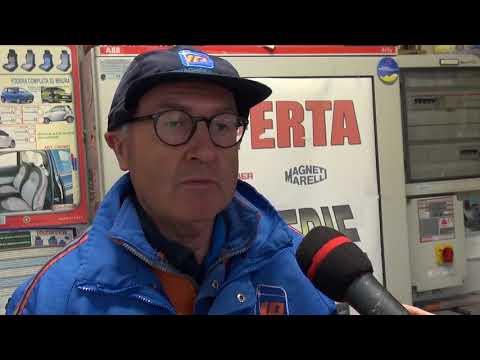 """Arezzo, ladri a """"pesca di banconote"""" in tre distributori"""