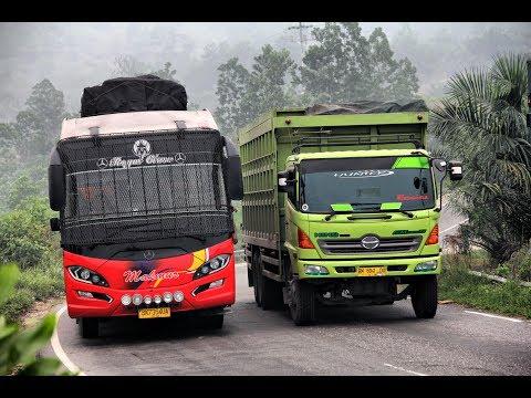 Download Video Kompilasi Aksi Sopir Bus LINTAS SUMATRA