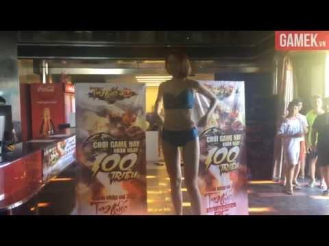 Màn thách đấu cởi đồ táo bạo của hot girl tại quán net Hà Nội