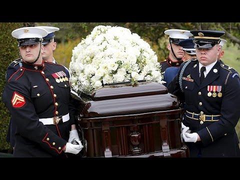 Στην Καλιφόρνια πραγματοποιήθηκε η κηδεία της Νάνσυ Ρίγκαν