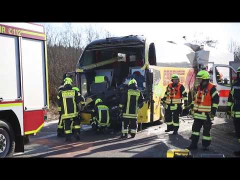 Bundesautobahn A3: Lkw schiebt Flixbus in Stauende –  ...