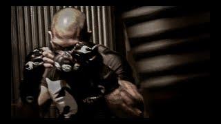 Niezwykły trening maszynki do zabijania, wojownik rodem z Mortal Kombat:P