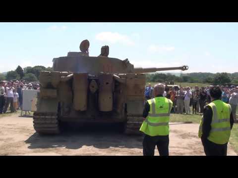 Tiger Tank Engine Sounds Maybach HL-230 & Turret Rotation.