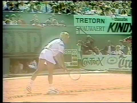 Steffi Graf's backhand shot
