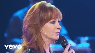 Video Reba McEntire - Is There Life Out There (Outnumber Hunger Concert) MP3, 3GP, MP4, WEBM, AVI, FLV November 2017