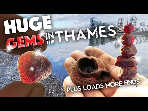 HUGE Gems in the Thames plus loads of amazing mudlarking finds with Si-finds