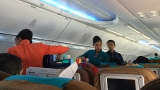 Video GARUDA INDONESIA | FLIGHT REVIEW GA307 SURABAYA TO JAKARTA MP3, 3GP, MP4, WEBM, AVI, FLV Januari 2019