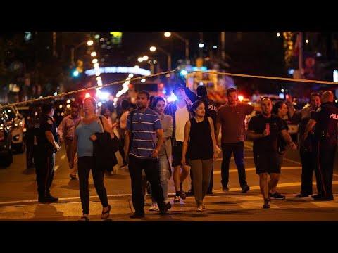 Πυροβολισμοί με θύματα έξω από εστιατόριο στην ελληνική γειτονιά του Τορόντο…