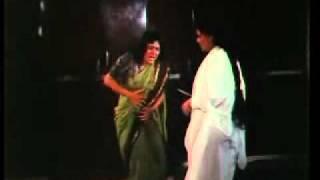 Download Video mehndi bani khoon juhi belly stabbed MP3 3GP MP4