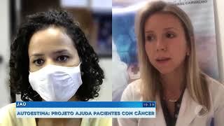 Pacientes com câncer participam de curso de automaquiagem