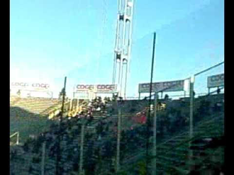 Espectadores alientan a su equipo en el Renato Dall'Ara