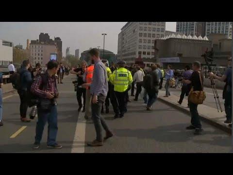 Λονδίνο: Συνεχίζονται οι διαμαρτυρίες για το κλίμα