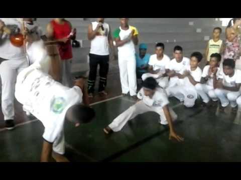 Roda de capoeira em teofilandia c.mestre carlinhos e c.mestre dragao