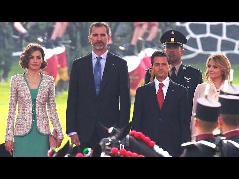 Peña Nieto da cálida bienvenida a los Reyes de España