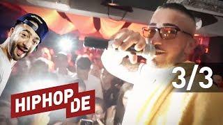 """✔ ABONNIEREN: http://bit.ly/HiphopdeAbo✚ ALLE FOLGEN: http://bit.ly/waslosrooz► MEHR VON CAPO: http://hiphop.de/capoCAPO – """"ALLES AUF ROT"""":► Lmt. Fanbox: http://amzn.to/2ty3UnH► Audio-CD: http://amzn.to/2txRH2p► MP3 (Amazon): http://amzn.to/2suN4YF► MP3 (iTunes): http://apple.co/2sVeebzSeit dem 7. Juli ist Capos Album """"Alles auf Rot"""" draußen. Natürlich gab es zur VÖ eine fette Release Party, die Rooz – natürlich – besucht hat. Natürlich (!) hatte er auch seine Cam dabei. Ganz, ganz normal in unserer Gegend. Viel Spaß mit den Aufnahmen!ROOZ FOLGEN:► Facebook: https://facebook.com/roozworld► Youtube: http://youtube.com/roozworld► Instagram: http://instagram.com/roozlee► Twitter: http://twitter.com/roozlee► Snapchat: http://snapchat.com/add/RoozWorldHIPHOP.DE APP FÜR IOS:► http://bit.ly/HiphopdeAppiOS HIPHOP.DE APP FÜR ANDROID:► http://bit.ly/HiphopdeAppAndroid HIPHOP.DE FOLGEN:► Homepage: http://hiphop.de► Facebook: http://facebook.com/wwwhiphopde► Spotify: https://open.spotify.com/user/hiphop.de► Snapchat: https://snapchat.com/add/hiphop.de► Twitter: http://twitter.com/Hiphopde► Instagram: http://instagram.com/hiphopdeNEU► http://bit.ly/hiphopdevideos#WASLOS► http://bit.ly/waslosrooz 🎥TOXIK TRIFFT►  http://bit.ly/toxiktrifft 🎥JETZT MAL ERICH► http://bit.ly/JetztMalErich 🎥US+A► http://bit.ly/HiphopUSA 🎥BESIEG DEN BEAT► http://bit.ly/besiegdenbeat 🎤BACKSTAGE► http://bit.ly/BackstageHHDE 🎥ON POINT:► http://bit.ly/OnPointMitAria 🎥DO OR DIE► http://bit.ly/HiphopdeDoOrDie 🏆VIDEOPREMIEREN► http://bit.ly/musikvideos 🔉INSIDER► http://bit.ly/hhdeinsider 🔉Unsere Videos enthalten Produktplatzierungen, die auf Ausstatterdeals unserer Gäste, Partnerschaften von Hiphop.de und Werbebuchungen beruhen.Bei allen Links zu Amazon und iTunes handelt es sich um Affiliate Links. Das bedeutet: Solltest du diesen Link benutzen und anschließend ein Produkt kaufen, werden wir gegebenenfalls durch eine Provision am Umsatz beteiligt. Für dich fallen dadurch keine zusätzlichen Kosten an."""