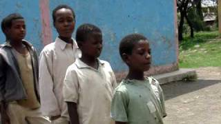 KIds In Zeway/Adami Tulu Ethiopia Singing