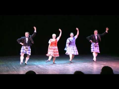 зажигательный шотландский танец