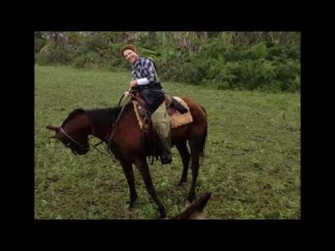 Fazenda Agua Limpa - cavalgando com o louro doido