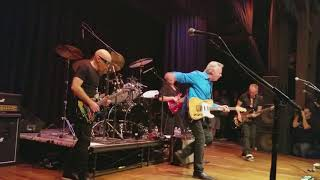 "Video Private Concert - G4 2017 Joe Satriani, Tommy Emmanuel play ""Stevie's Blues"" and ""Johnny B Goode"" MP3, 3GP, MP4, WEBM, AVI, FLV Januari 2019"