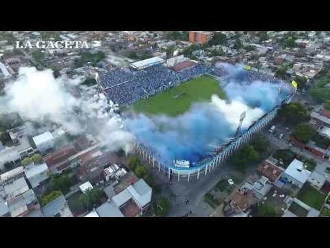 Mirá desde un drone el recibimiento de la hinchada al equipo de Atlético ante Junior - La Inimitable - Atlético Tucumán