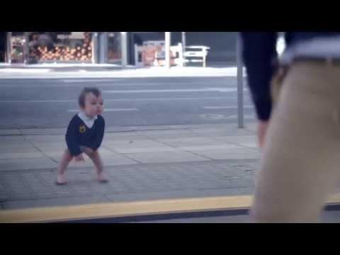 İlginç Su Reklamı - Aynada Görülen Çocukluk