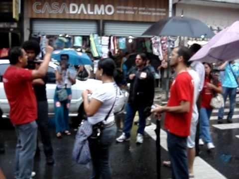 (28.04.2011) GREVE - Comunidades acadêmicas criticam Jaques (Malvadeza) Wagner em Salvador-BA