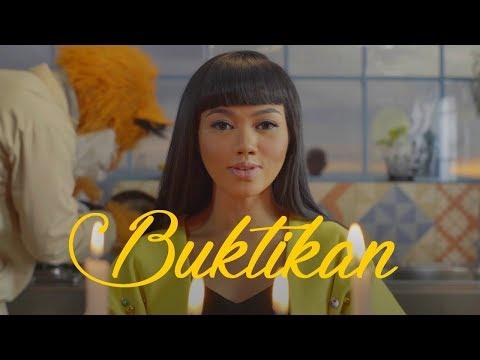 YURA YUNITA - Buktikan (Official Music Video) (видео)