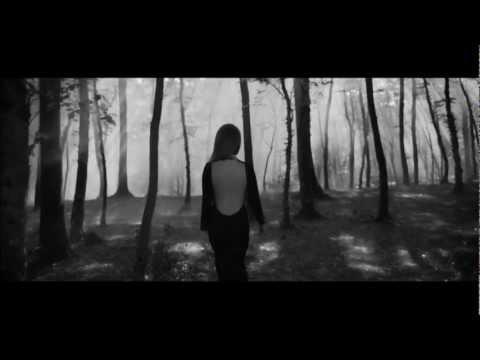 Aynur Aydın – Nolur Gitme