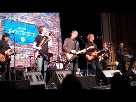 I SAW THE LIGHT ~ In The Pocket w/ Cliff Hillis (Colonial Theater Phoenixville10/19/13)