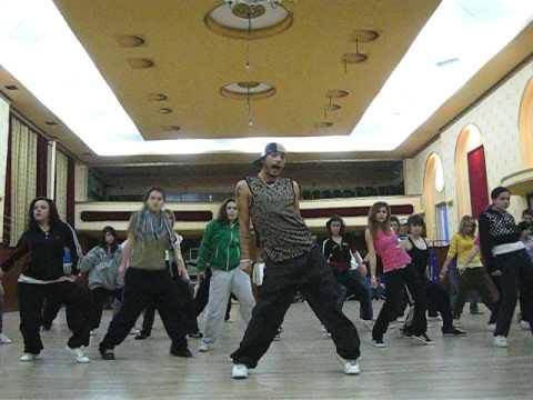 Street Dance Camp Breaza 2009 - Genil Hasim показывает комбинацию медленно