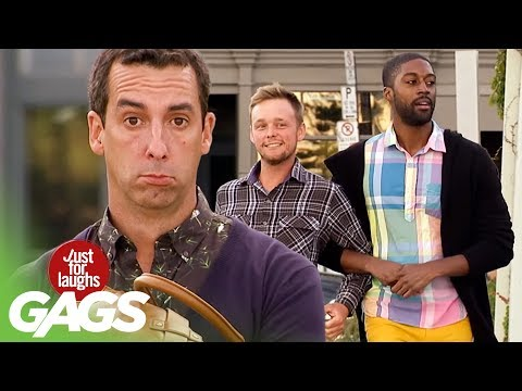 Ce face un cuplu de gay pe stradă (video)