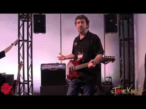 Peavey - Subscribe: http://www.youtube.com/subscription_center?add_user=LMSJR In this video, Peavey's Michael Smith shows us some killer tones of the Peavey VYPYR PRO using the AT200 guitar. ...