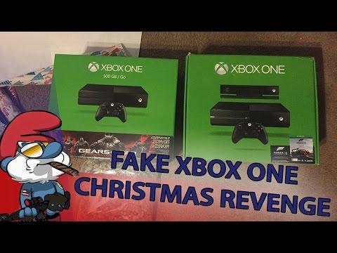 他8年前聖誕節收到爸爸送他的假XBOX被整慘,今年他對老爸展開的「超激烈感人復仇」證明了虎父無犬子!
