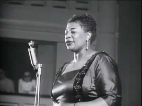Tekst piosenki Sarah Vaughan - It Don't Mean a Thing (If It Ain't Got That Swing) po polsku