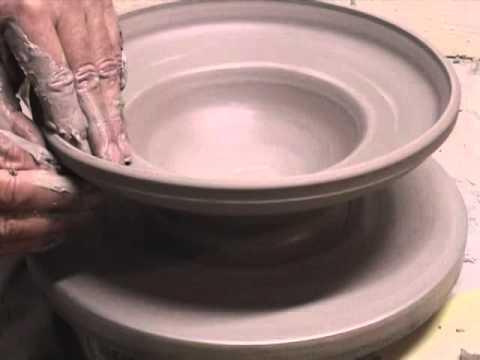 lavorazione al tornio - ceramista Andrea Sola - CENTRO PANDORA, FORTE MARGHERA - VENEZIA MESTRE